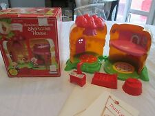 Vintage 1981 Strawberry Shortcake House In Box Kenner SSC shortcake house