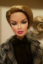 NRFB REFINEMENT VANESSA PERRIN doll Integrity Fashion Royalty FR2