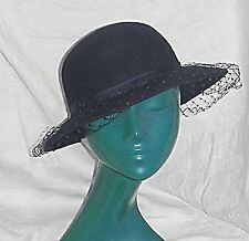 VINTAGE 'C & A' STYLISED LADIES HAT NAVY BLUE NET WOOL SMART WARM CHIC S/M