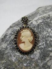 Granat Anhänger für Halskette Portrait Frau / Mädchen / Dame Kamee Tombak ~1900