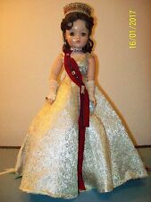 Vintage Madame Alexander Cissy Brunette Queen