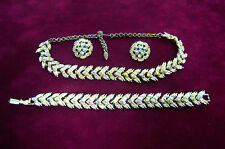 VINTAGE NECKLACE EARRINGS BRACELET SET IRRIDESCENT RHINESTONES & GOLDTONE