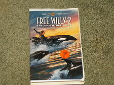RARE OLD VINTAGE VHS CLAM SHELL USED MOVIE FREE WILLY 2