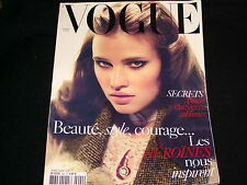 VOGUE PARIS Magazine  (FRENCH)SEPTEMBER 2009  LARA STONE  LES HEROINES