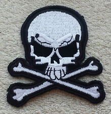 SKULL & CROSSBONES PATCH Cloth Badge/Emblem Pirate Biker Jacket Iron or Sew on