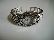 LADIES SILVER FINISH WESTERN STYLE BANGLE CUFF FASHION WATCH
