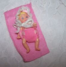 Barbie Krissy Baby Doll Cool Sitter Teen Skipper Blond Hair Pink Blanket