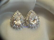 Excellent Diamond Earrings Pear Shaped White Gold