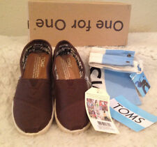 NWT Toms Youth Classics Chocolate BROWN Canvas Slip-On Boys Girls 1 M