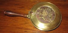 VINTAGE ITALY ITALIAN BRASS SILENT BUTLER ASH TRAY W HONOR COAT OF ARMS