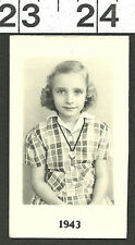 VINTAGE OLD 1940'S B&W PHOTO / SCHOOL PORTRAIT OF CUTE YOUNG GIRL #2663