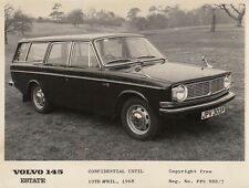 VOLVO 145 ESTATE CONFIDENTIAL UNTIL 10th APRIL 1968 PERIOD PHOTOGRAPH.
