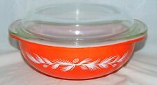 Pyrex HOLIDAY RED PINECONE *2 QT ROUND CASSEROLE w/ PIE PLATE LID* 024*