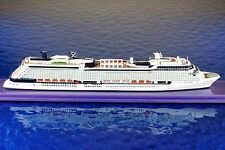 Celebrity Eclipse  Hersteller  Scherbak Ship Models ,1:1250 Schiffsmodell