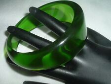Vintage CLEAR LIME GREEN LUCITE BANGLE BRACELET IN GIFT BOX