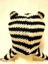 Neko Cute Black & Cream chunky knit animal ears Peruvian trapper hat Ski cosplay