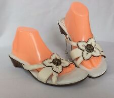 NEW Womens Naturalizer N5 comfort sandals  - size 9.5 W - white - Jakarta