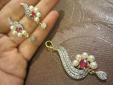 22ct Oro Placcato Indian American Diamante, Perla & Ruby Ciondolo/Orecchini Set, BN