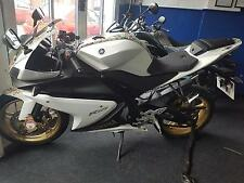 Yamaha YZF R-125.. LEARNER LEGAL... VERY LOW MILES!!!  ONE OWNER BIKE