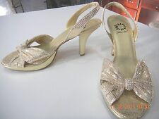 YELLOW BOX SZ 8 GOLD SHINY LEATHER SHOE SLINGBACK OPEN TOE 3 1/2 IN HEEL
