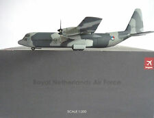 Hogan Wings 1:200 Lockheed C130 Hercules RNAir Force 6429 + Herpa Wings Katalog