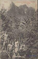 TAHITI CHASSEURS INDIGENES SUIVANT LA PISTE D'UN PORC SAUVAGE ED MARCHE COLONIAL