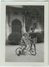 PHOTO ANCIENNE - VINTAGE SNAPSHOT - ENFANT VÉLO A ROULETTES ALGER - BIKE CHILD