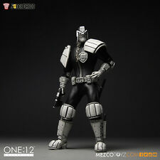 Mezco NYCC 15 Exclusive B&W Judge Dredd One:12 Figure