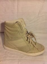 Top Shop Beige Ankle Suede Boots Size 4