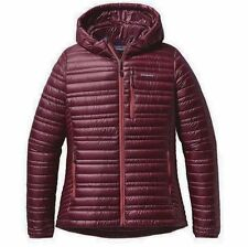 NWT Womens Patagonia Ultralight down Hoody Jacket Dark Currant Size Large