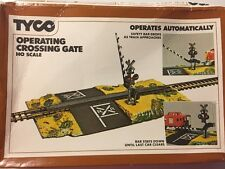 Tyco HO Scale Operating Crossing Gate #908 Vintage Original Box