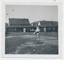 Foto Luftwaffen-Helferinnen  beim Sport  2.WK  ( Z594)