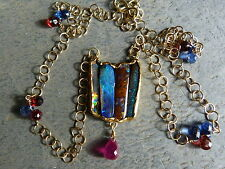 Collier/pendentif or fin/or18ct, 4 opales, 1 rubis, grenats et cyanites