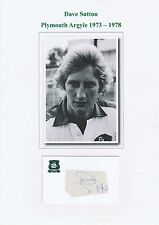DAVE SUTTON PLYMOUTH ARGYLE 1973-1978 ORIGINAL HAND SIGNED CUTTING/CARD