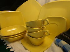 18 pc Harmony House Melmac Melamine Dishes Talk of the Town yellow VGC Estate
