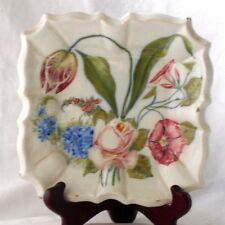 C19TH NOVE HAND PAINTED SQUARE PLATE DECORATED WITH FLOWERS