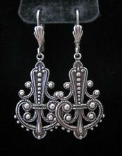 VICTORIAN ART NOUVEAU ANTIQUE SILVER REPOUSSE DANGLE DROP EARRINGS LEVER BACK
