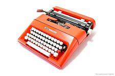ORANGE typewriter OLIVETTI LETTERA 35 - Portable Manual typewriter - working