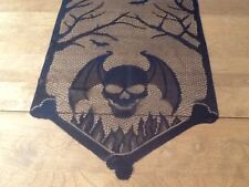 HERITAGE LACE BLACK HALLOWEEN SKULL AND BATS TABLE RUNNER 14X54 A14
