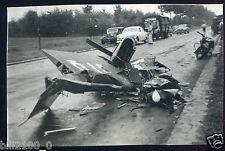 photo ancienne . crash d'un avion dans les Yvelines .Jodel D-92