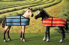 2 x Fohlen Decke Kuscheldecken Zubehör passend für Schleich Pferde  Pony