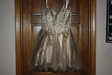 Formal dress, Solid color gold, Size 9/10, Short, Strapless, Chiffon
