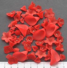 60 x mix of lucite/plastic beads 10/25 mm 15 gms  RED FLOWERS  Pack 26