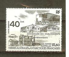 TIMBRES TAAF POSTE AERIENNE N° 104 **