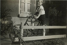 PHOTO ANCIENNE - VINTAGE SNAPSHOT - VÉLO BICYCLETTE ENFANT MODE - BIKE 1934