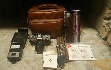VINTAGE CANON AE-1 35MM SLR CAMERA W/50MM LENS, SPEEDLITE 177A FLASH & MORE
