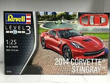 +++ Revell  2014 CORVETTE STINGRAY 1:25 07060