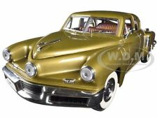 1948 TUCKER TORPEDO GOLD 1:18 DIECAST MODEL CAR  BY ROAD SIGNATURE 92268
