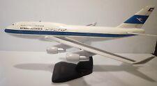 Kuwait Airways Boeing 747-400 Desktop Model Airplane Jet 1/100 Scale Plane