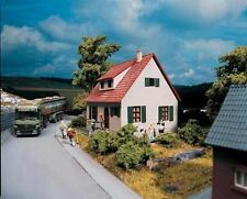 PIKO HO SCALE 1/87 VILLAGE HOUSE BUILDING KIT | BN | 61826